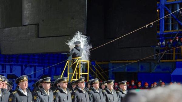 Вывод АПЛ «Белгород» из эллинга (Фото М. Воркунова, пресс-служба ПО «Севмаш»)