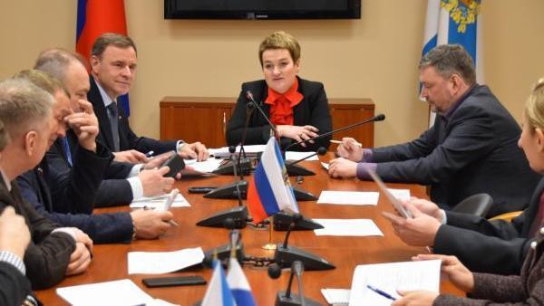 Сенатор Виктор Новожилов провел ряд встреч в Архангельске