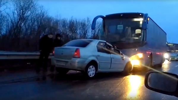 Сразу три аварии сильно осложнили движение по северодвинской трассе
