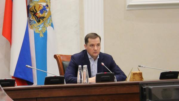 Всплеск коронавируса среди работников оборонки экстренно обсудили в Архангельске