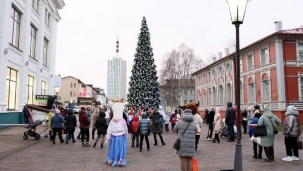 Видео: в Архангельске зажглись огни на первой новогодней ёлке