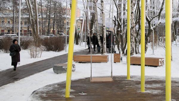 Небезопасно: в обновленный Молодежный сквер в Архангельске наведались спасатели