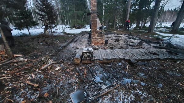 Пожар с гибелью жителя Поморья в рыбацкой избе оказался следствием пьяных разборок