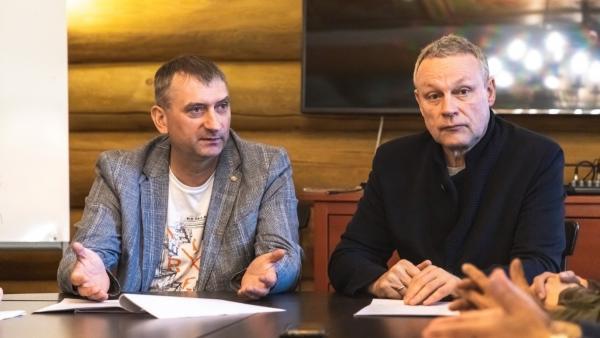 На фото Григорий Шилкин и Сергей Жигунов
