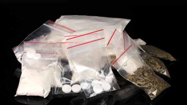 Компания друзей организовала сбыт наркотиков в Северодвинске и Новодвинске